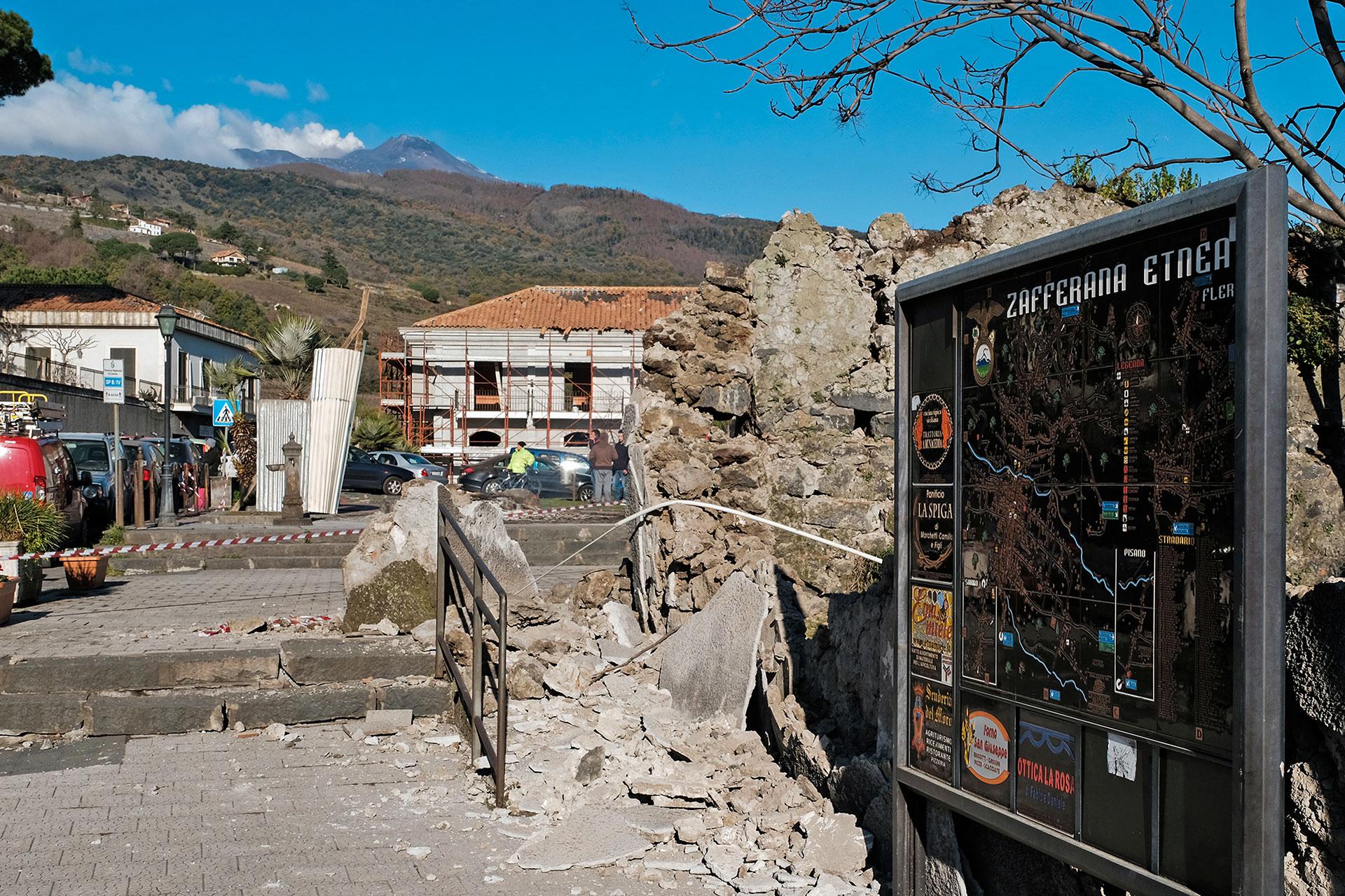 El Monte Etna es una de las principales atracciones turísticas de la región, ubicada en la isla de Sicilia(AFP)
