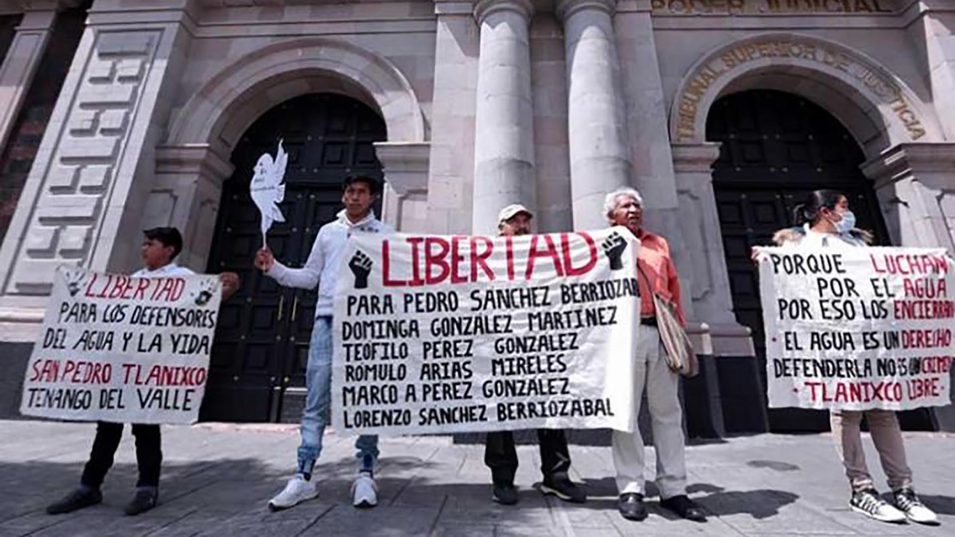 La demanda de libertad para presos de conciencia, la mayoría indígenas que defienden sus recursos y territorio. (Foto: Cuartoscuro)