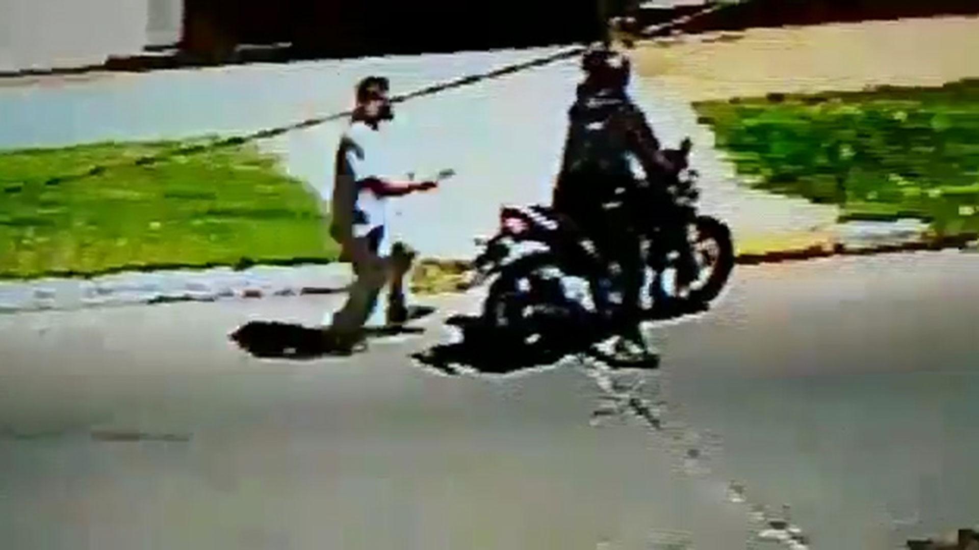 El motochorro contó con la ayuda de un cómplice