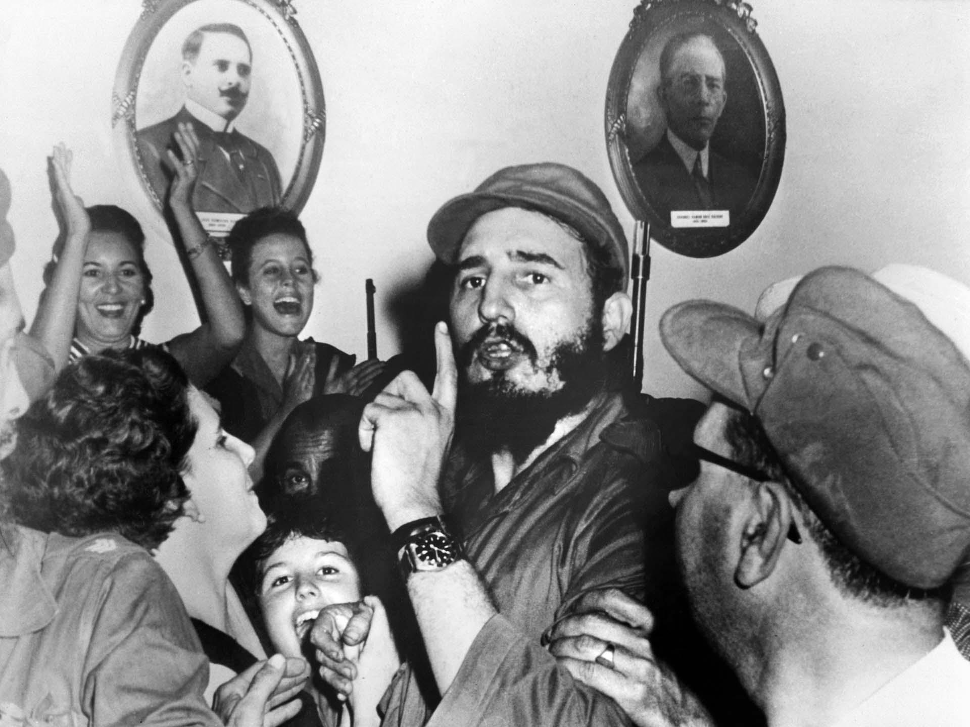 Fidel Castro celebra el triunfo de la revolución el 4 de enero de 1959 en Cienfuegos