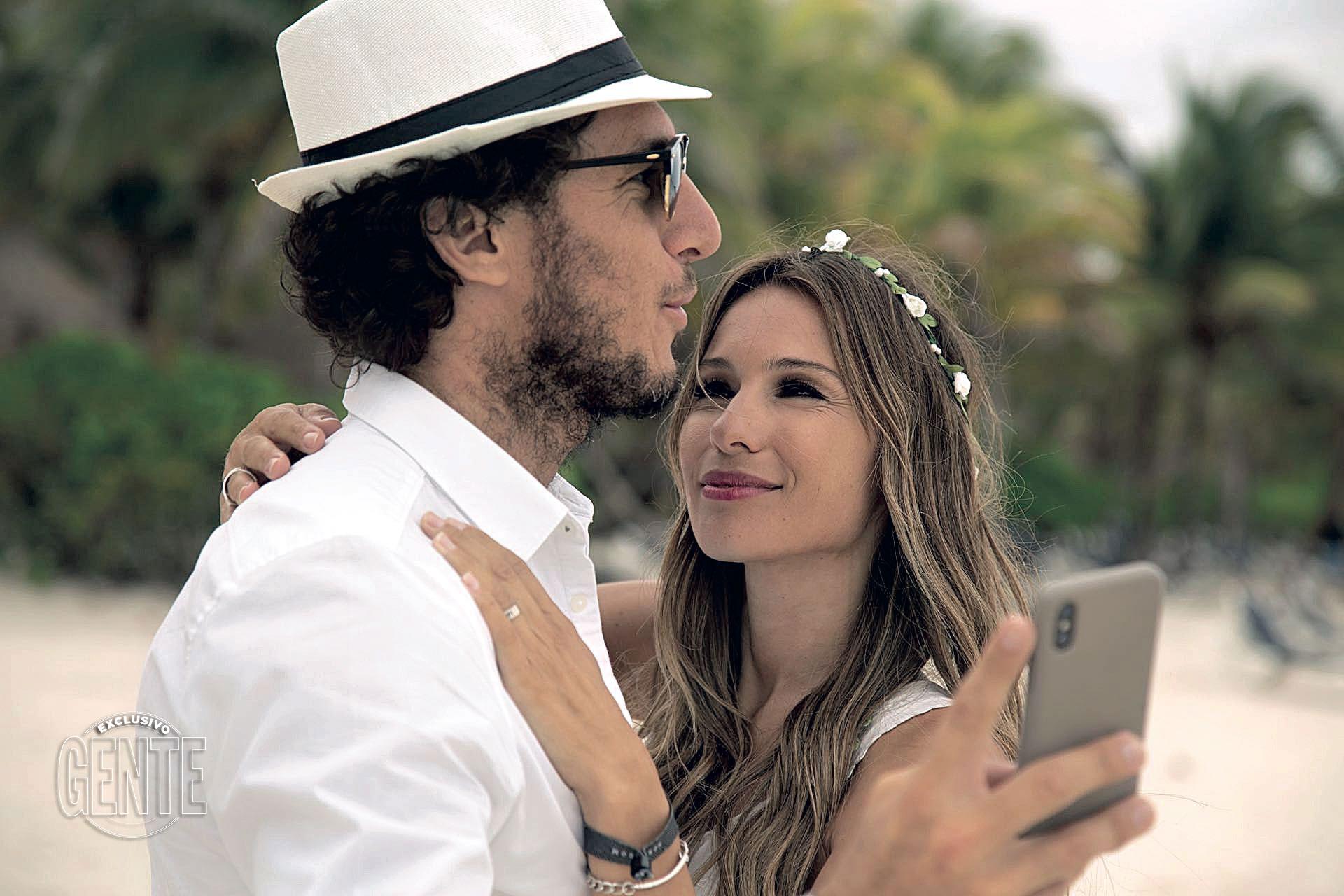 Cuando Pampita festejó su cumpleaños número 40 en la Riviera Maya, el miércoles 17 de enero de 2018. Así se reconciliaban tras otro impasse.