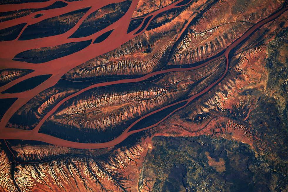 El estuario del río Betsiboka en Madagascar, fotografiado desde la Estación Espacial Internacional por el astronauta Ricky Arnold (NASA)