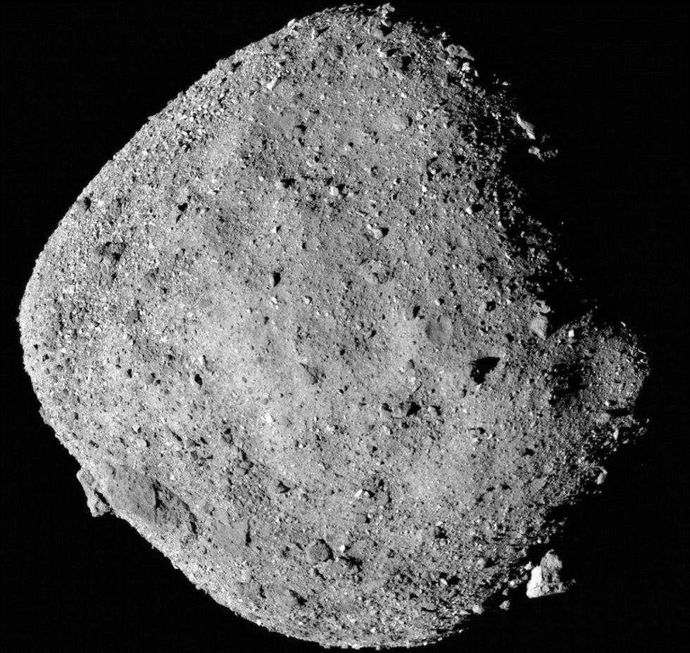 El asteroide Bennu fotografiado desde la sonda OSIRIS-REx. Es una de las fotos con mayor detalle que jamás se tomó de un asteroide (NASA)