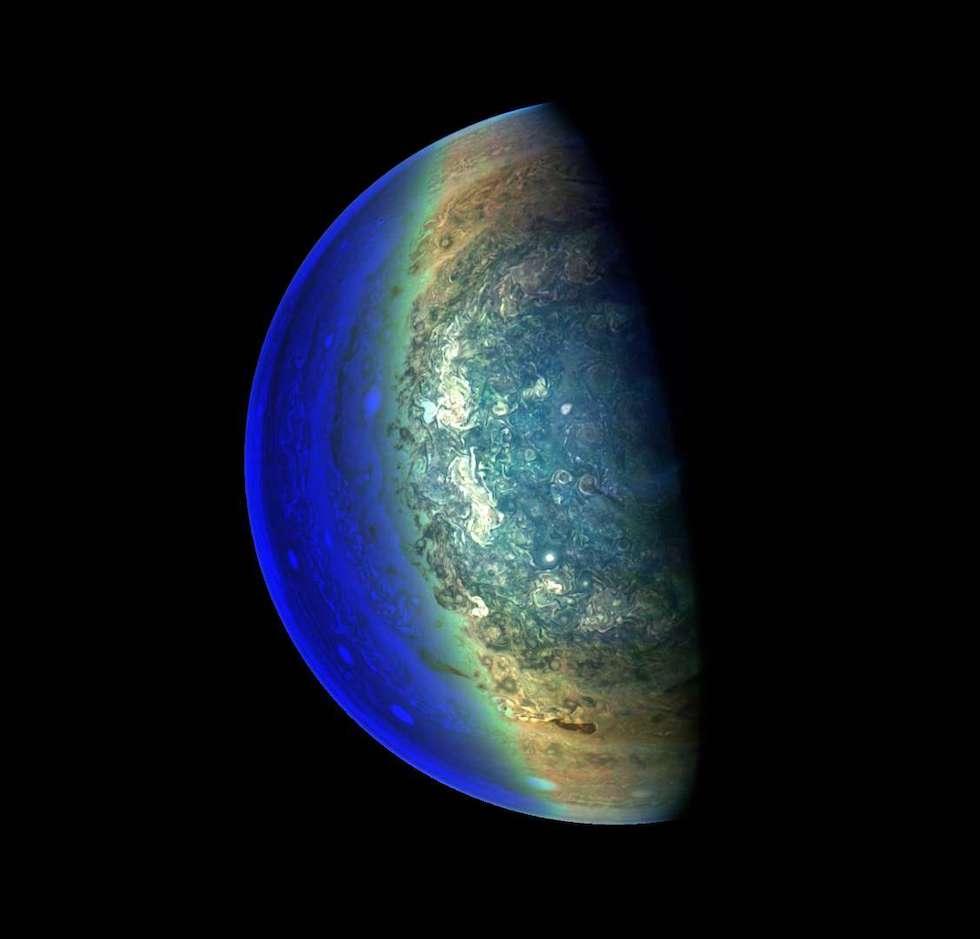 Una foto de las tormentas de Júpiter tomada por la sonda Juno el 7 de febrero (Geral Eichstädt/Sean Doran/JPL-Caltech/SwRI/MSSS/NASA)