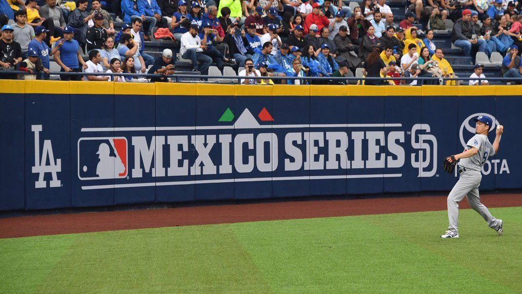 Dodgers y Padres jugaron una serie de temporada regular en Monterrey en 2018 (Foto: Archivo)