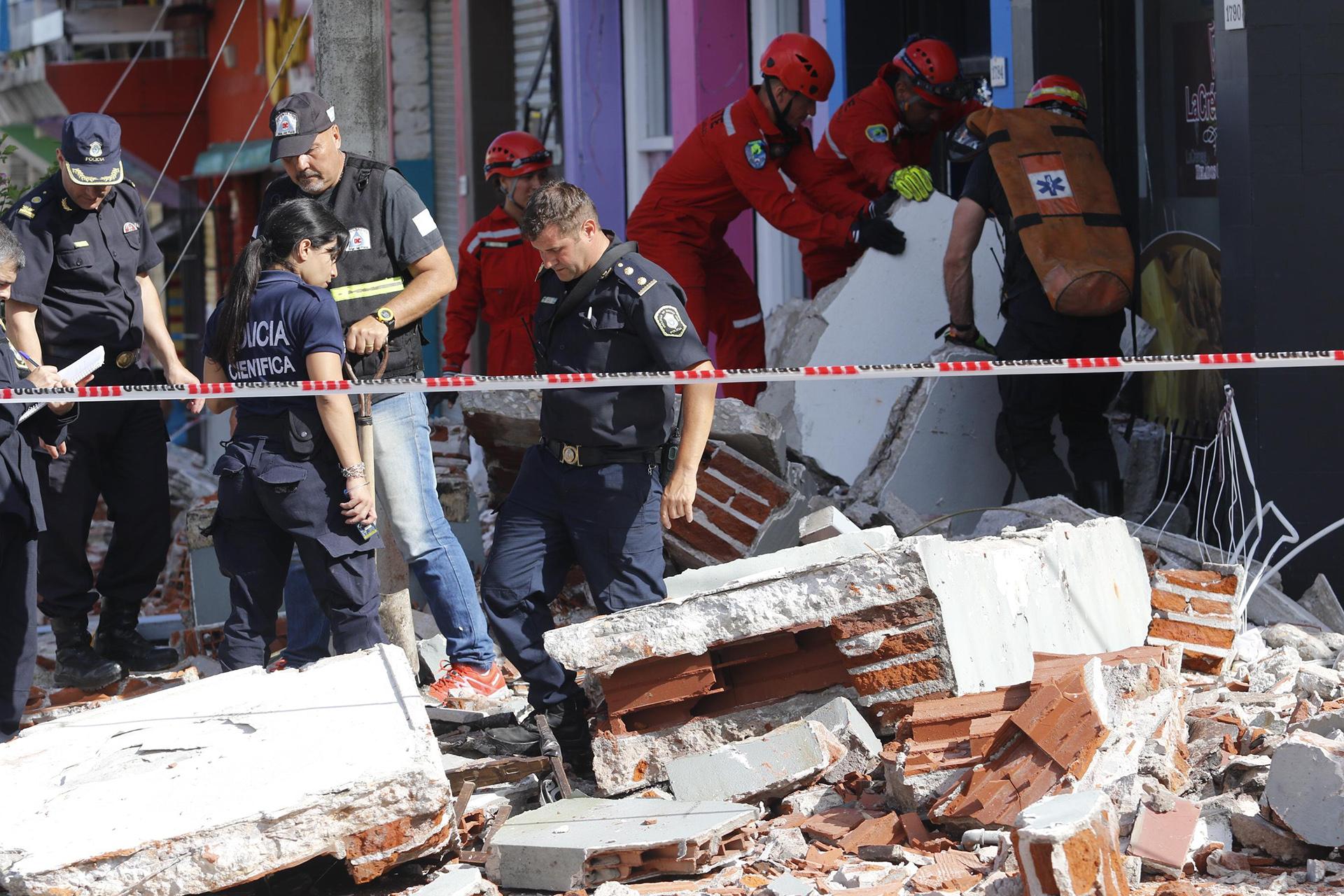 """""""El ruido del derrumbe fue tremendo"""", dijo uno de los vecinos a Infobae"""