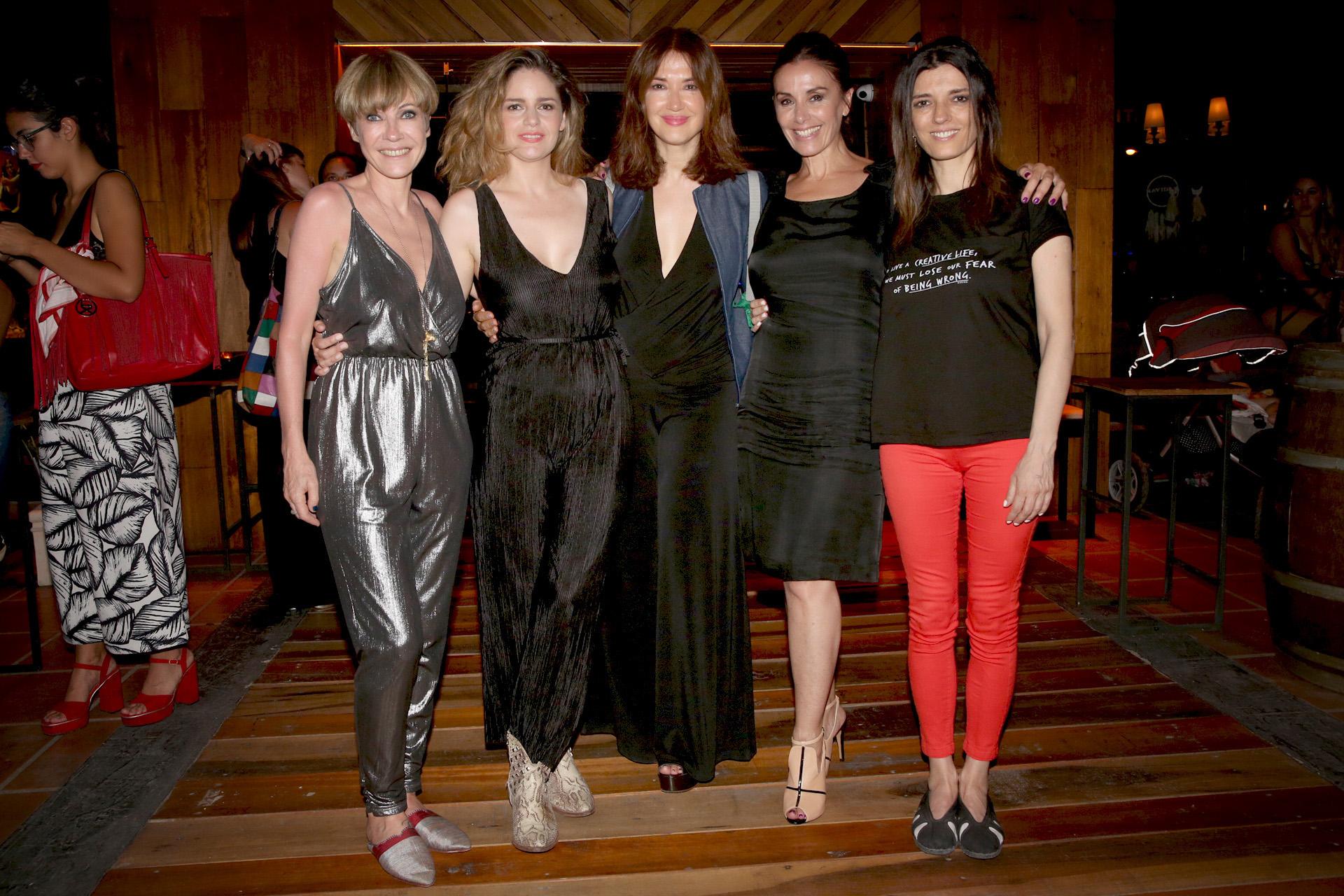 Inés Estévez, Romina Ricci, Andrea Bonelli, Viviana Saccone y María Socas