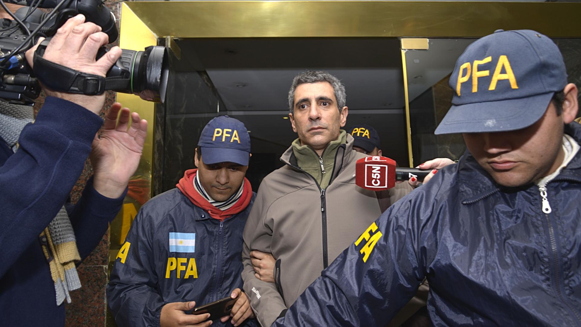 Roberto Baratta, la ex mano derecha del ex ministro Julio De Vido, es detenido por la Policía Federal en el marco de la causa de los cuadernos (Gustavo Gavotti)