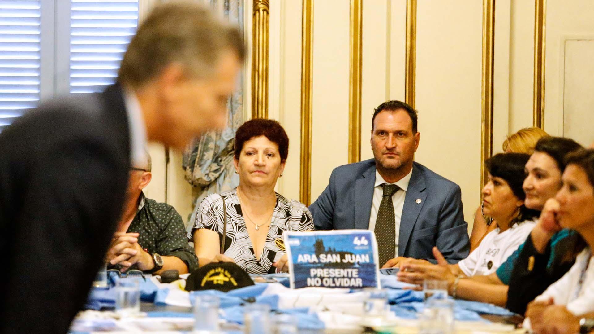 Familiares de los tripulantes del submarino ARA San Juan son recibidos por primera vez por el Presidente de la Nación, Mauricio Macri (Nicolás Aboaf)