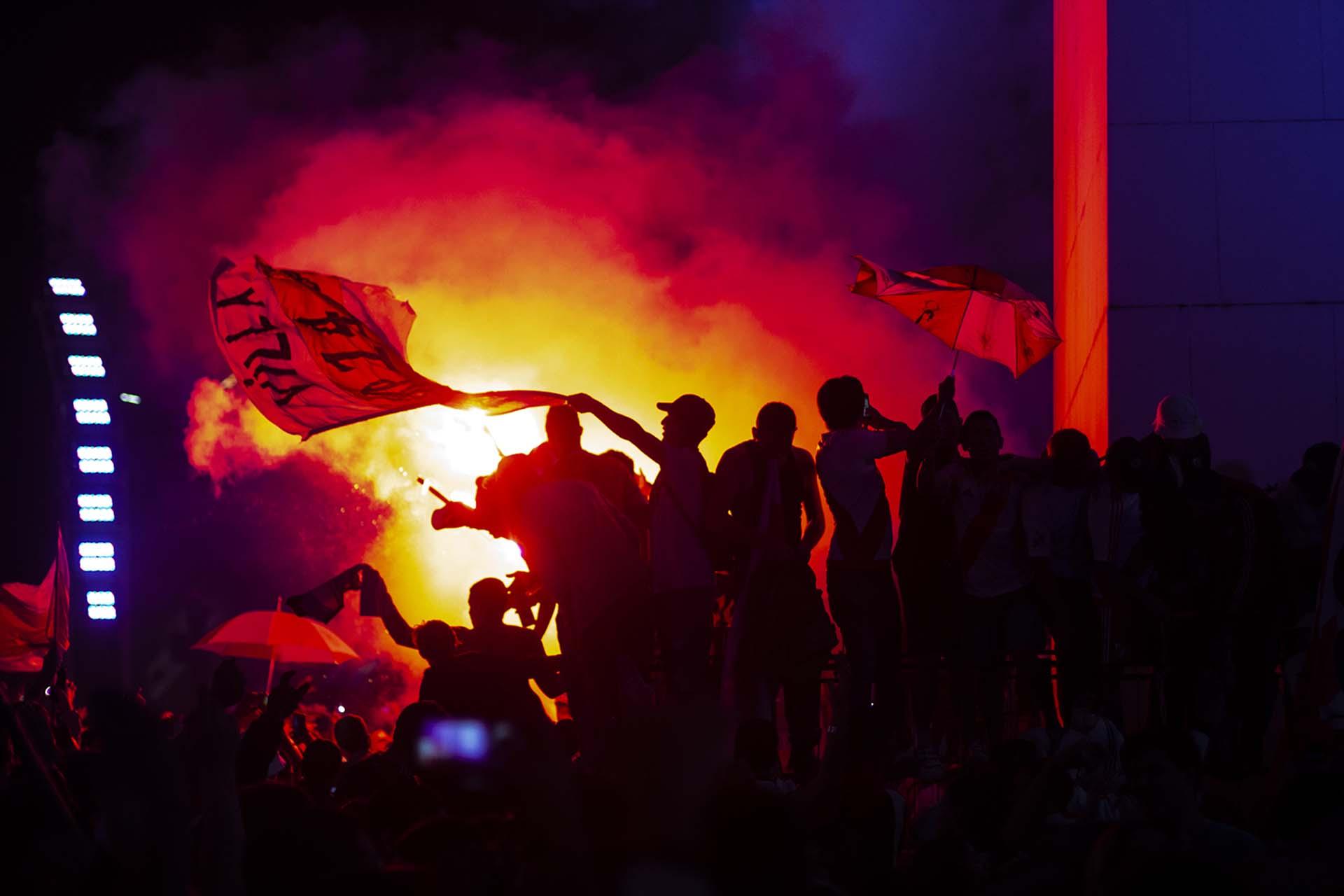 Hinchas de River festejan la obtención de la Copa Libertadores en el Obelisco (Matías Baglietto)