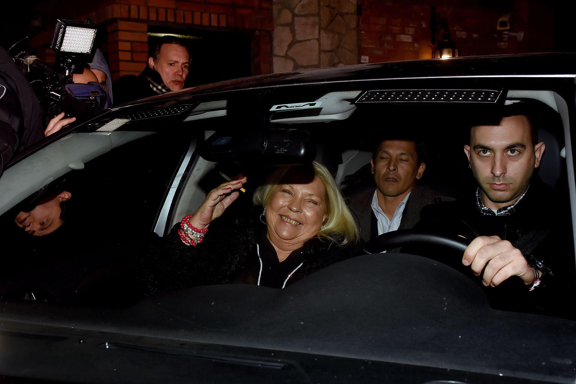 Elisa Carrió sale de Olivos tras reunirse con el presidente Mauricio Macri (Nicolás Stulberg)