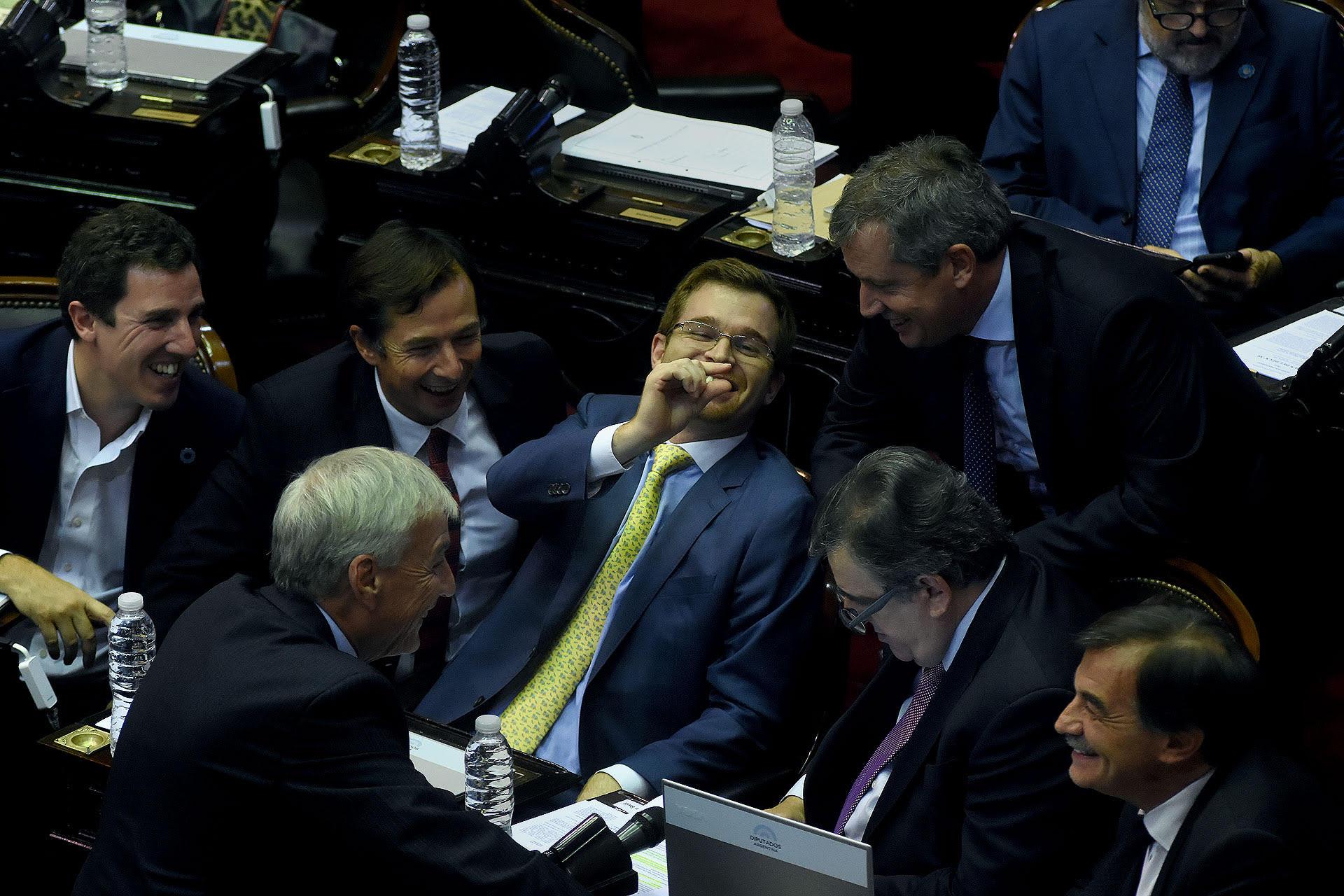 Bloque de diputados de Cambiemos durante el tratamiento del aumento de Tarifas (Nicolás Stulberg)