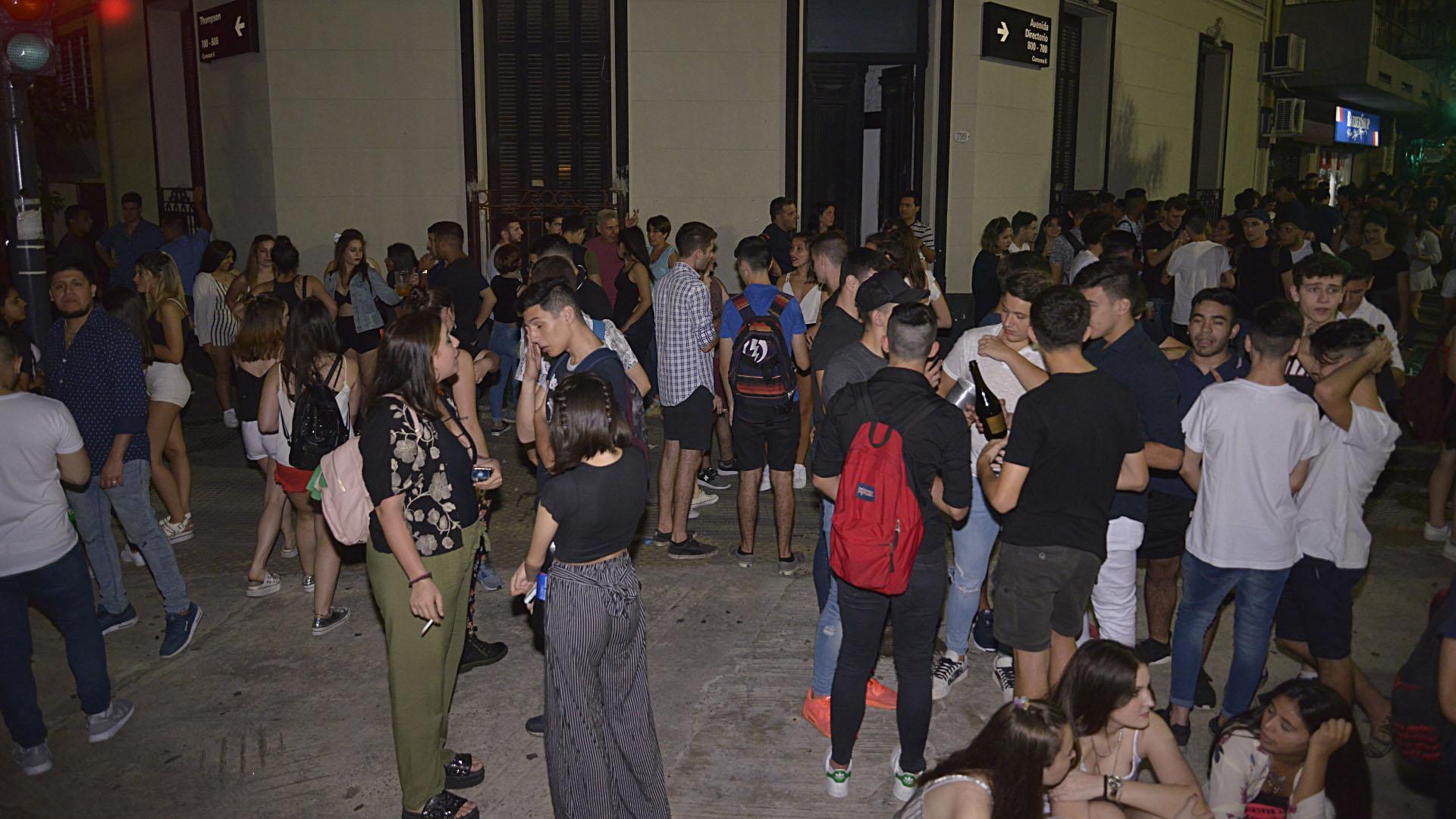 Una de las esquinas del emblemático barrio porteño donde cientos de jóvenes recibieron al 2019