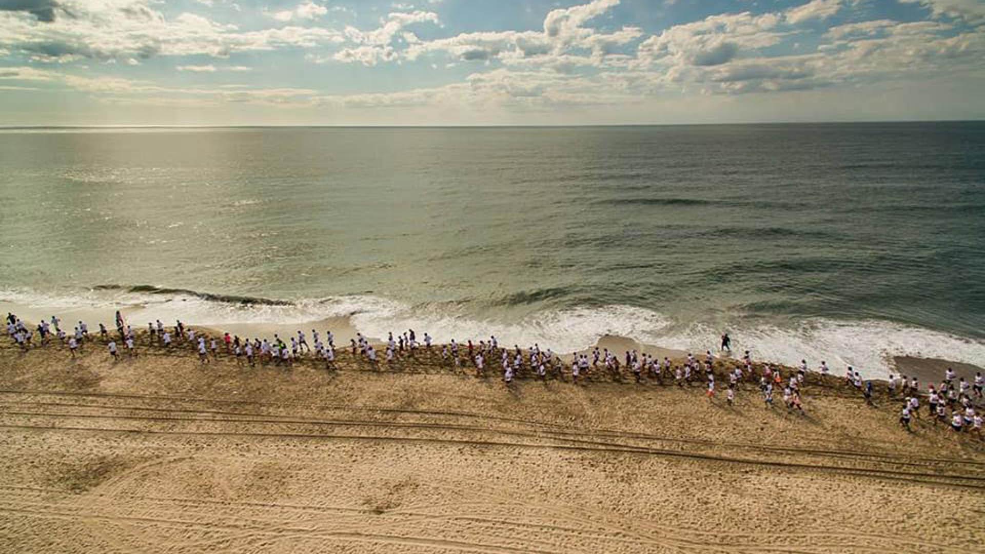 Algunosaprovechan la escapada a La Costa para correr