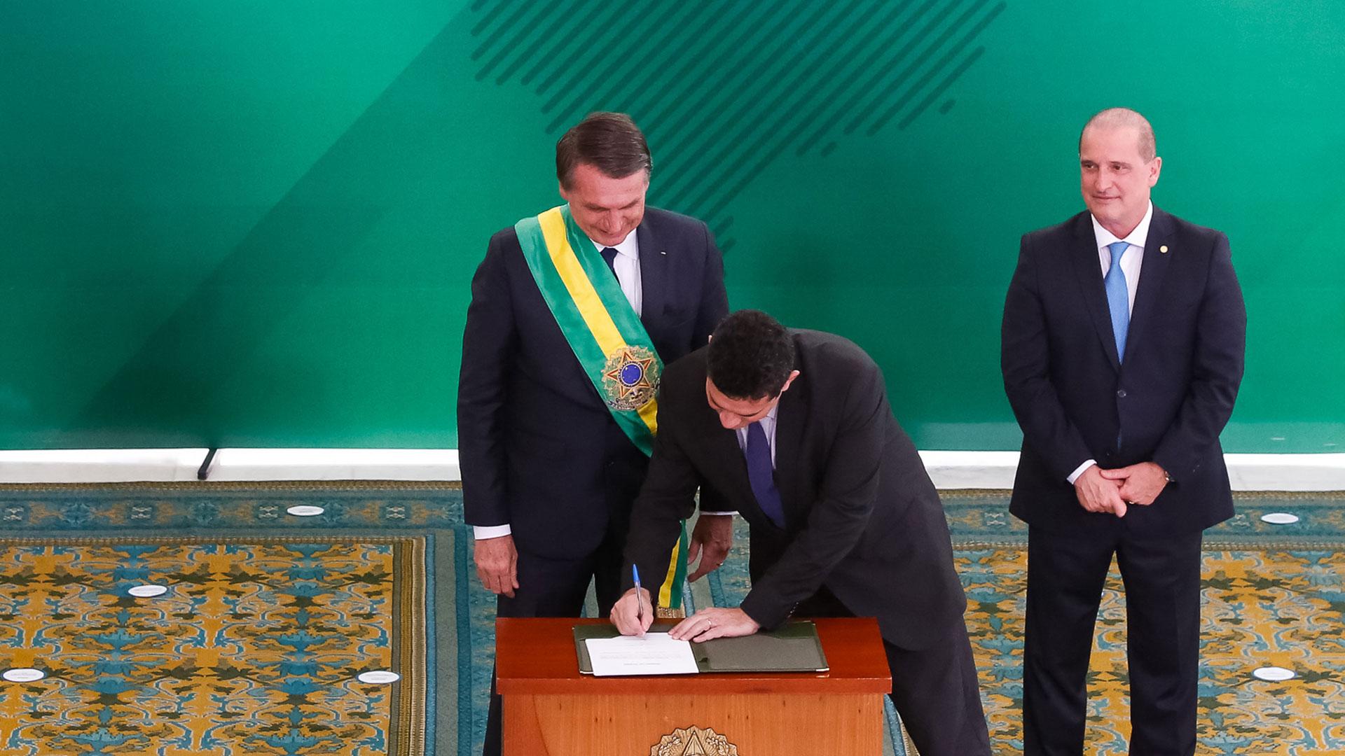 Bolsonaro asumió el martes la presidencia de Brasil y Sergio Moro juró como ministro de Seguridad (AFP)