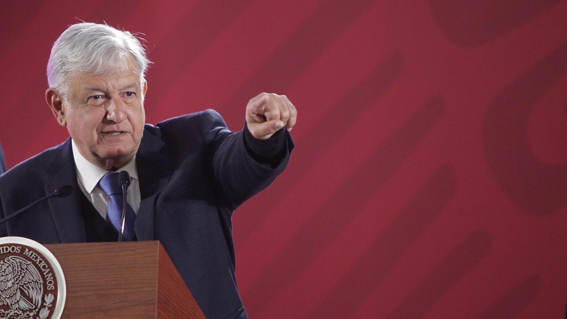 López Obrador aseguró que el abasto de gasolinas se normalizará pronto. (Foto: EFE)