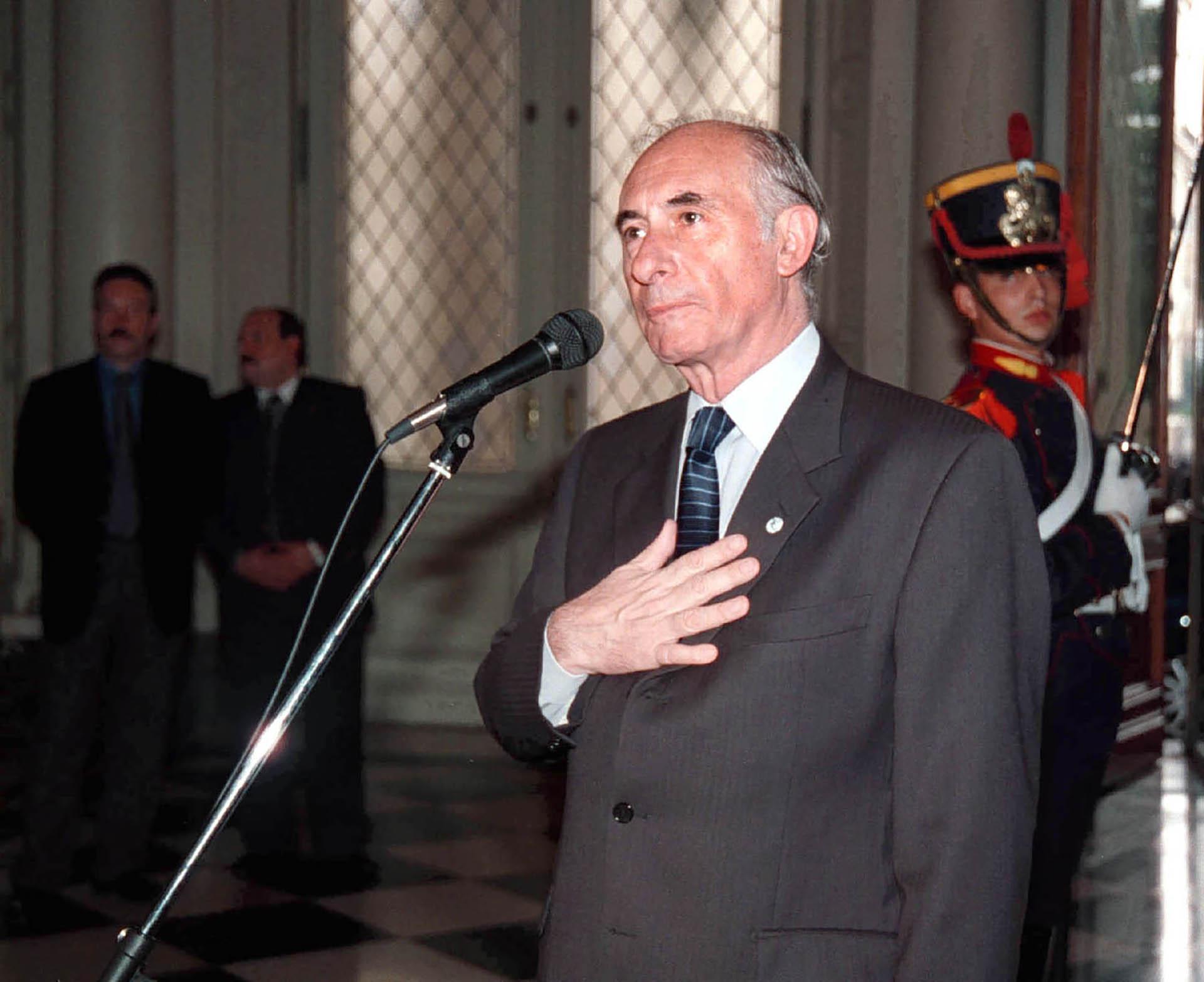 Fernando De la Rua en el Salón de los Bustos de Casa de Gobierno