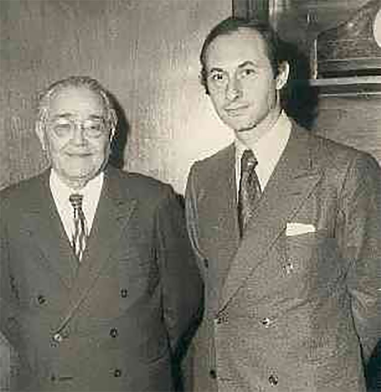 Un joven Fernando De la Rúa junto a Ricardo Balbin