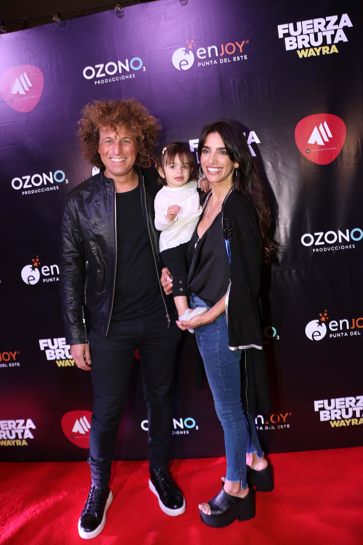 """Darian """"Rulo"""" Schijman y Gabriela Sari junto a su hija Donna"""