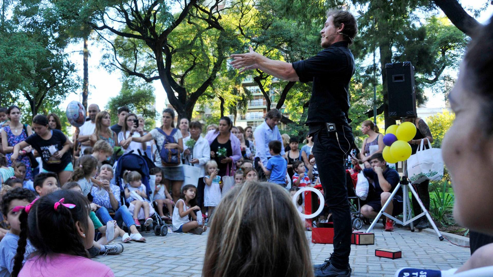 Las familias podrán disfrutar de espectáculos gratuitos en las plazas y parques porteños