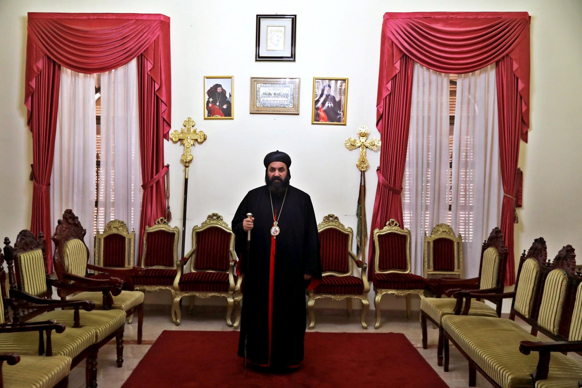 Su Eminencia el Arzobispo Mar Swerios Malki Murad, Arzobispo Patriarcal Vicario de la Tierra Santa y Jordania, posa para una fotografía en el Patriarcado Ortodoxo Sirio en la Ciudad Vieja de Jerusalén, 14 de marzo de 2018.