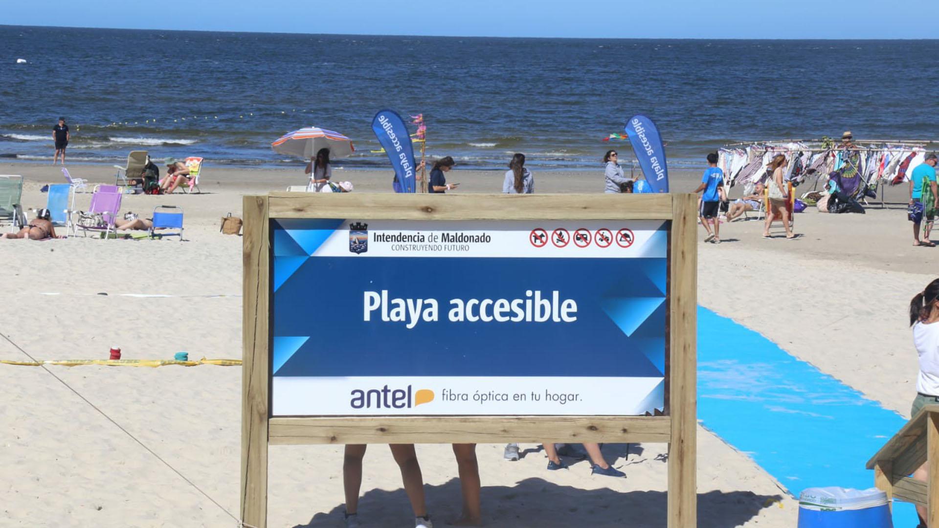 Es la segunda playa accesible que instala la Intendencia de Maldonado: la primera se ubica en la parada ocho de la Mansa