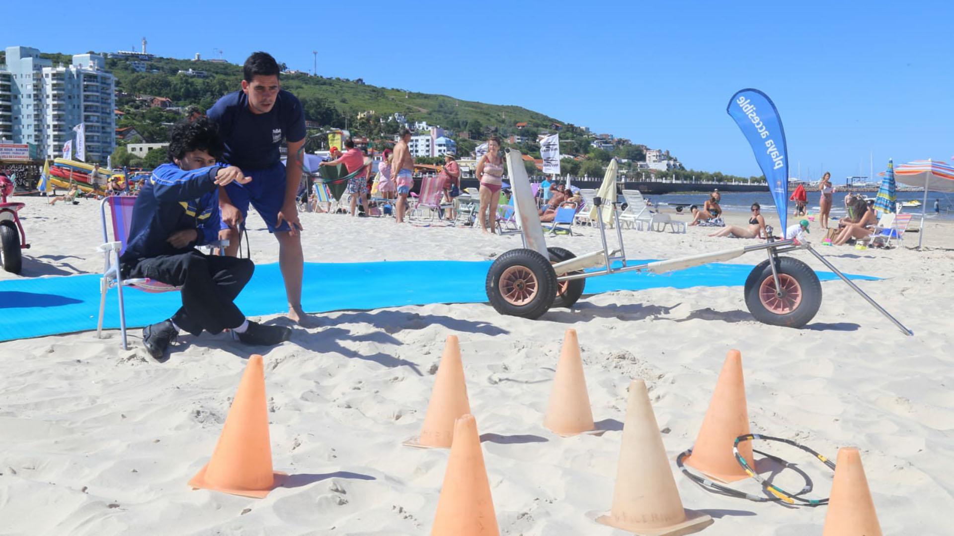 Además del ingreso al mar, también hay juegos recreativos. Estará abierta todos los días durante la temporada en horarios donde baja exposición solar: de 7 a 11:30 y de 16 a 20:30