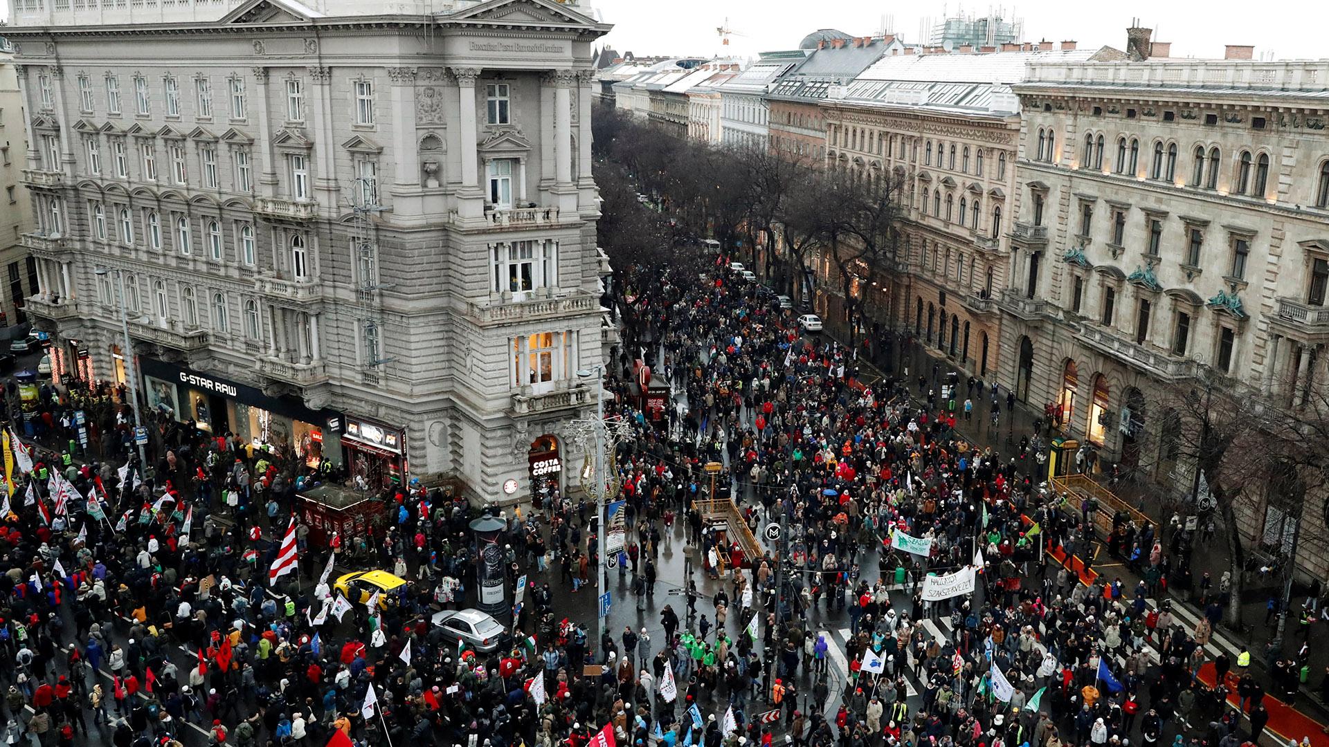 Manifestación en Budapest contra el gobierno de Orban (Reuters)