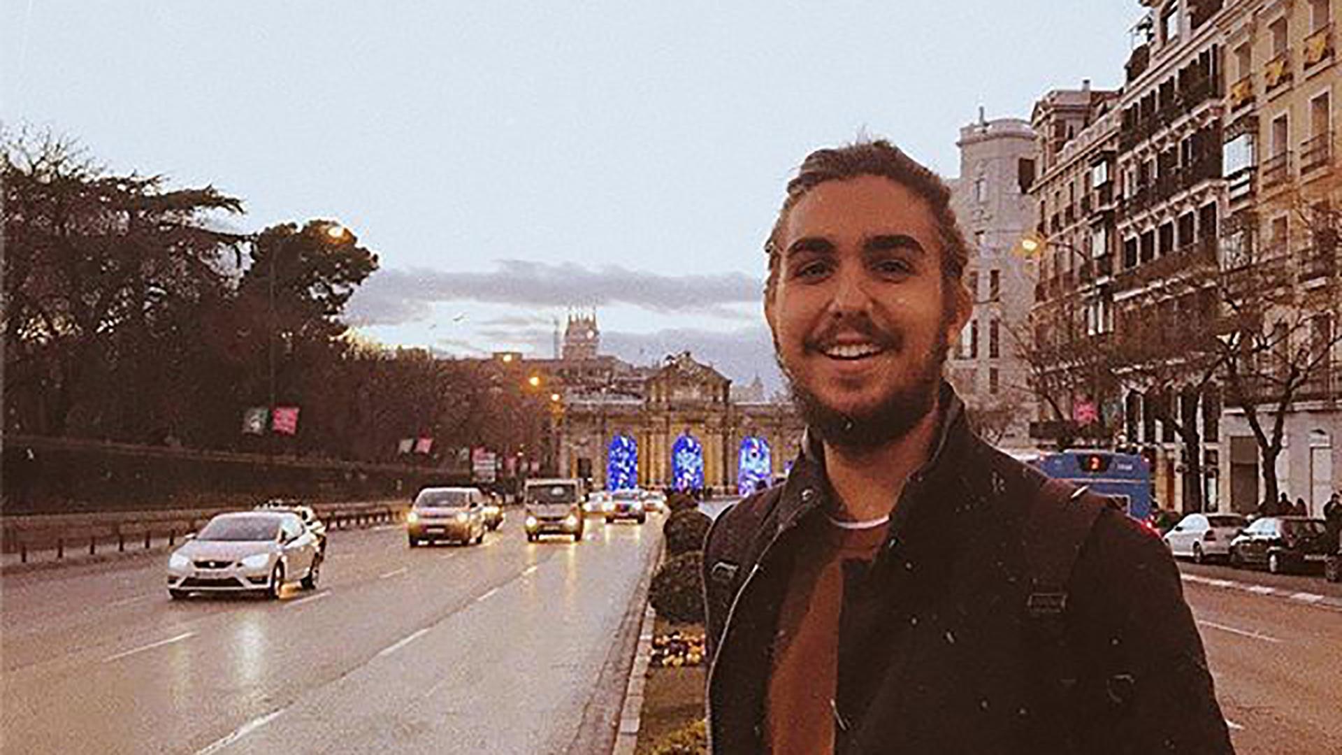 El joven goza de viajar a España cada que tiene oportunidad