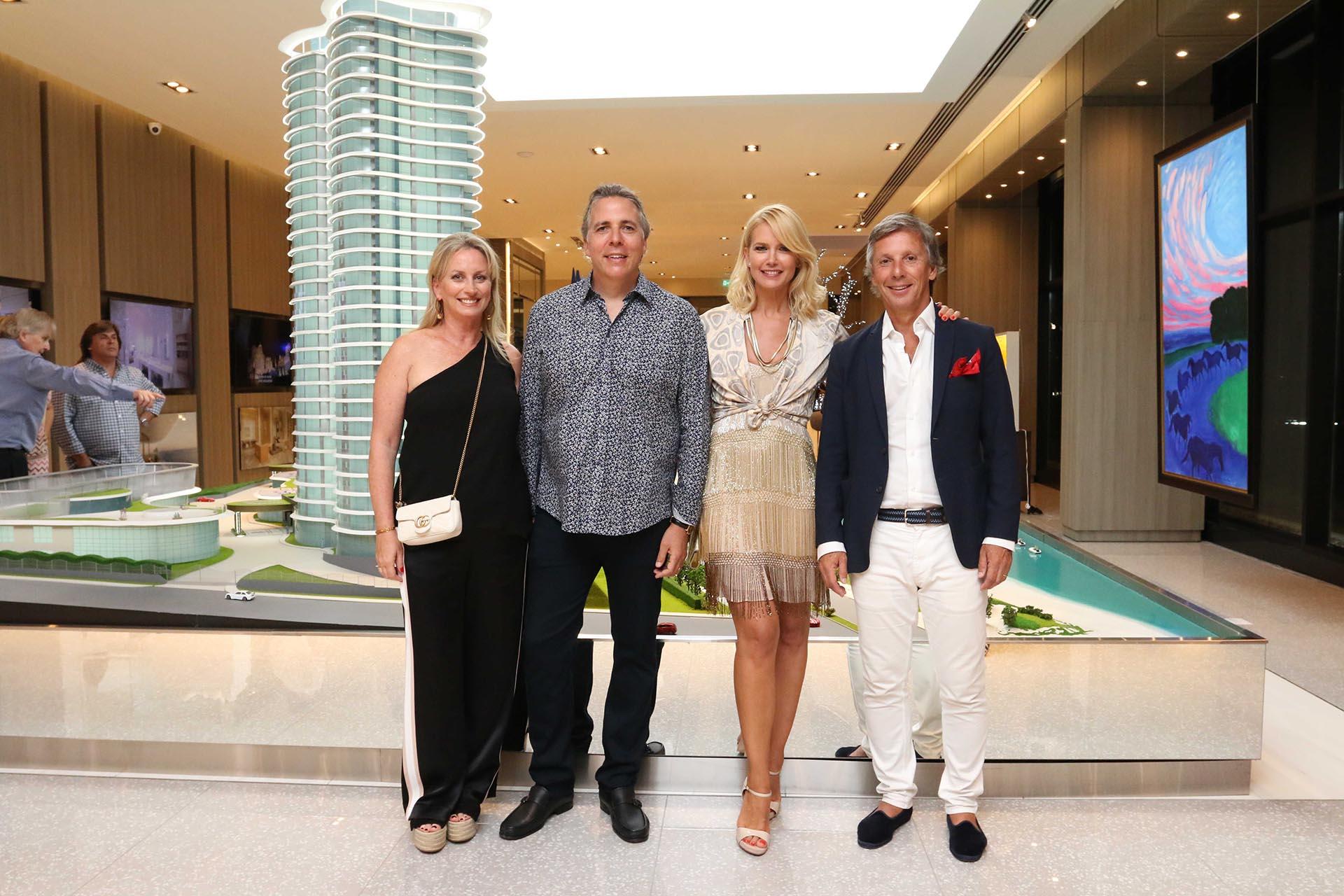 Valeria Mazza y Alejandro Gravier junto a Julián Racauchi y su mujer Romina