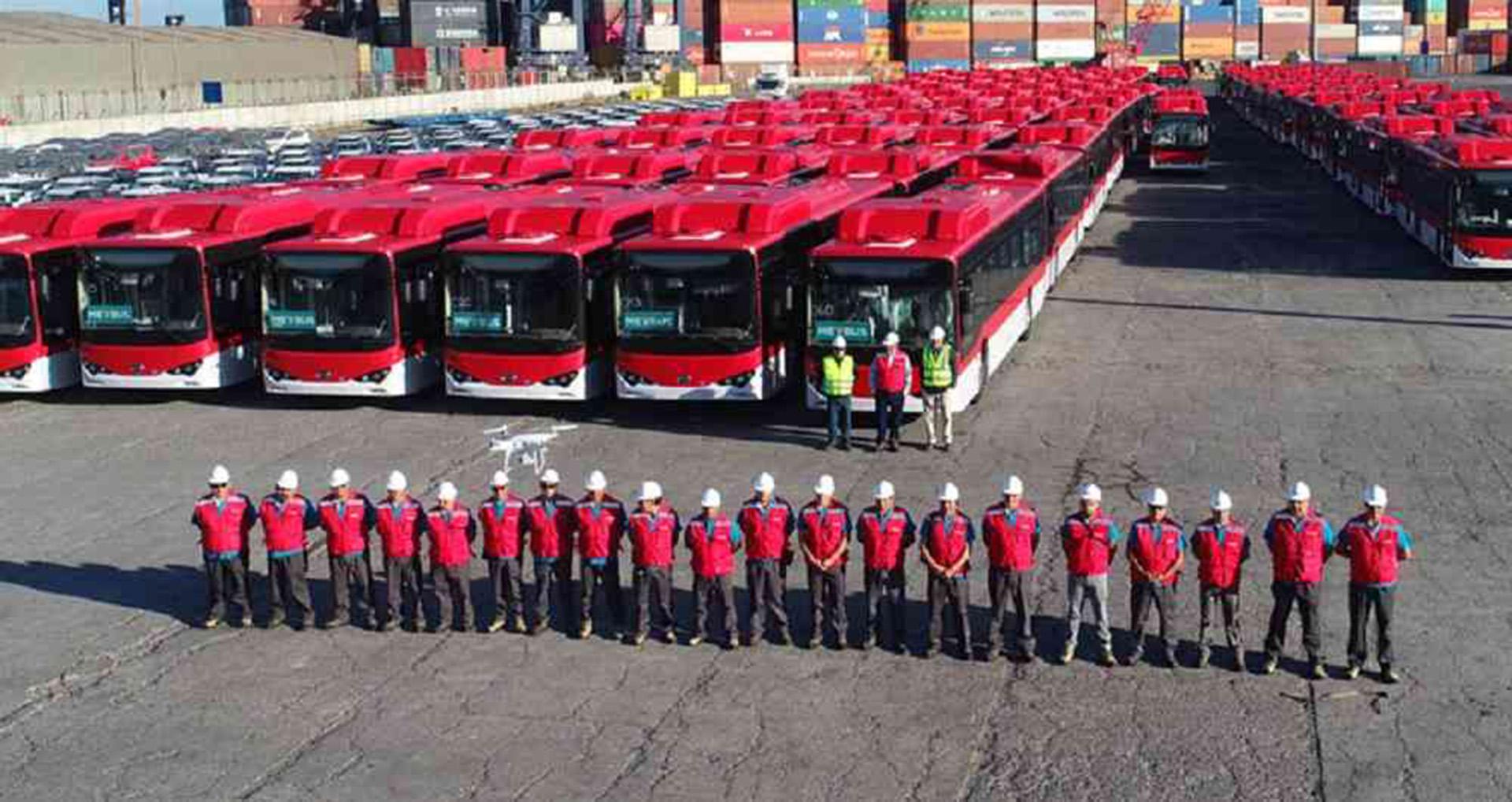 En Chile ya se integraron 102 buses eléctricos a la red de transporte público de Santiago (Transantiago)