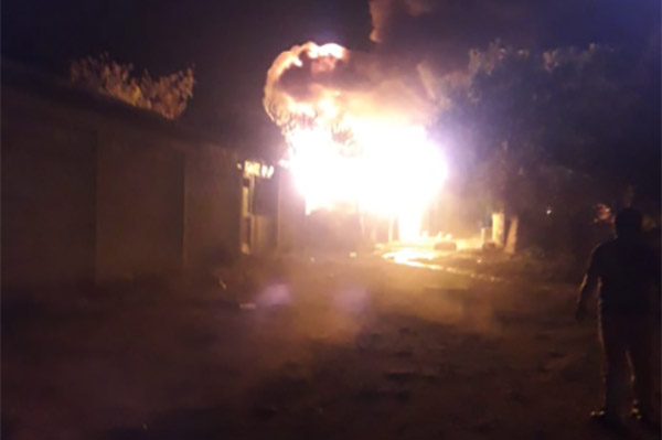 """Además de ataque en el panteón, en Hidalgo hubo un incendio en una bodega de """"huachicol"""". (Foto: Especial)"""