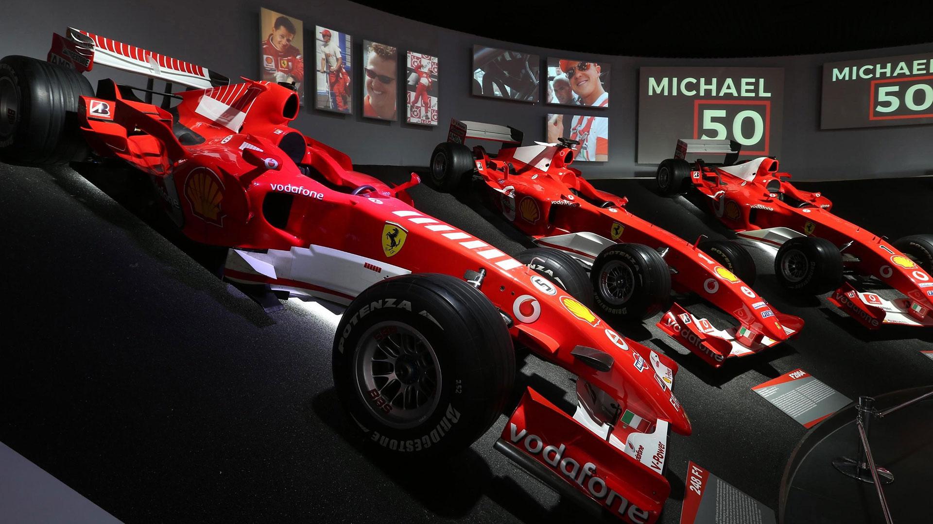 En la Sala de las Victorias los visitantes pueden ver algunos de los más importantes modelos monoplaza de Ferrari que el alemán utilizó a lo largo de sus once años de carrera con esta firma