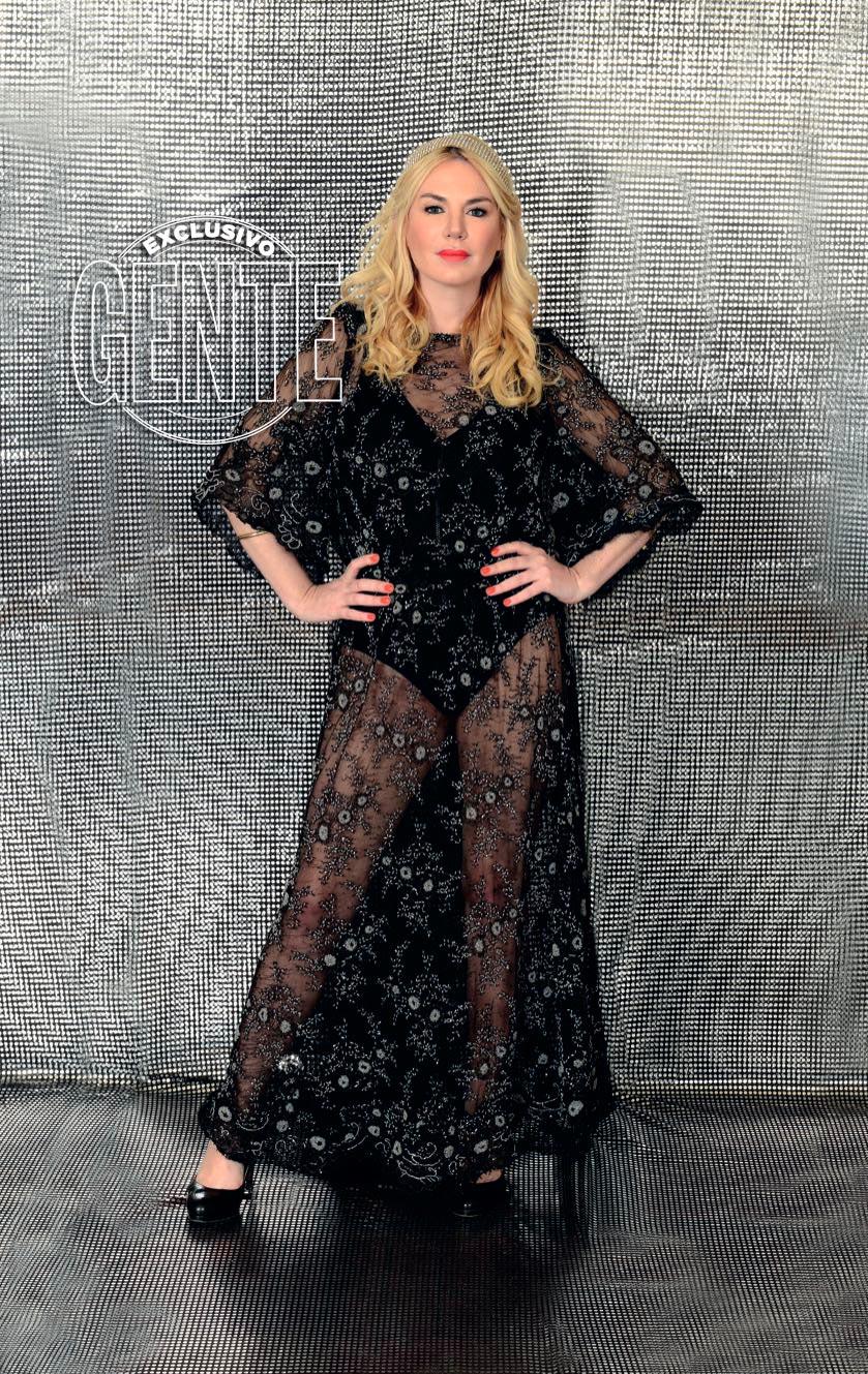 Esmeralda Mitre y un sensacional vestido con transparencias (Foto: Gente)