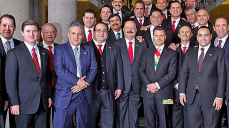 Una popular foto del ex presidente Peña Nieto con los gobernadores, de los cuáles 10 terminaron en la cárcel (Foto: Archivo)