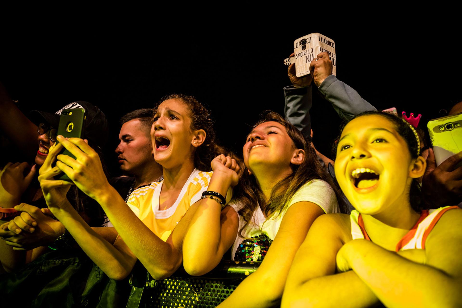 """La juventud estuvo para acompañar los actores de la novela de El Trece que fue un éxito en 2018. Miles de adolescentes los apoyaron recitando cada uno de los versos. """"Yo no soy esa Julieta"""", el tema de """"Simona"""", fue uno de los más emocionantes para los fanáticos"""
