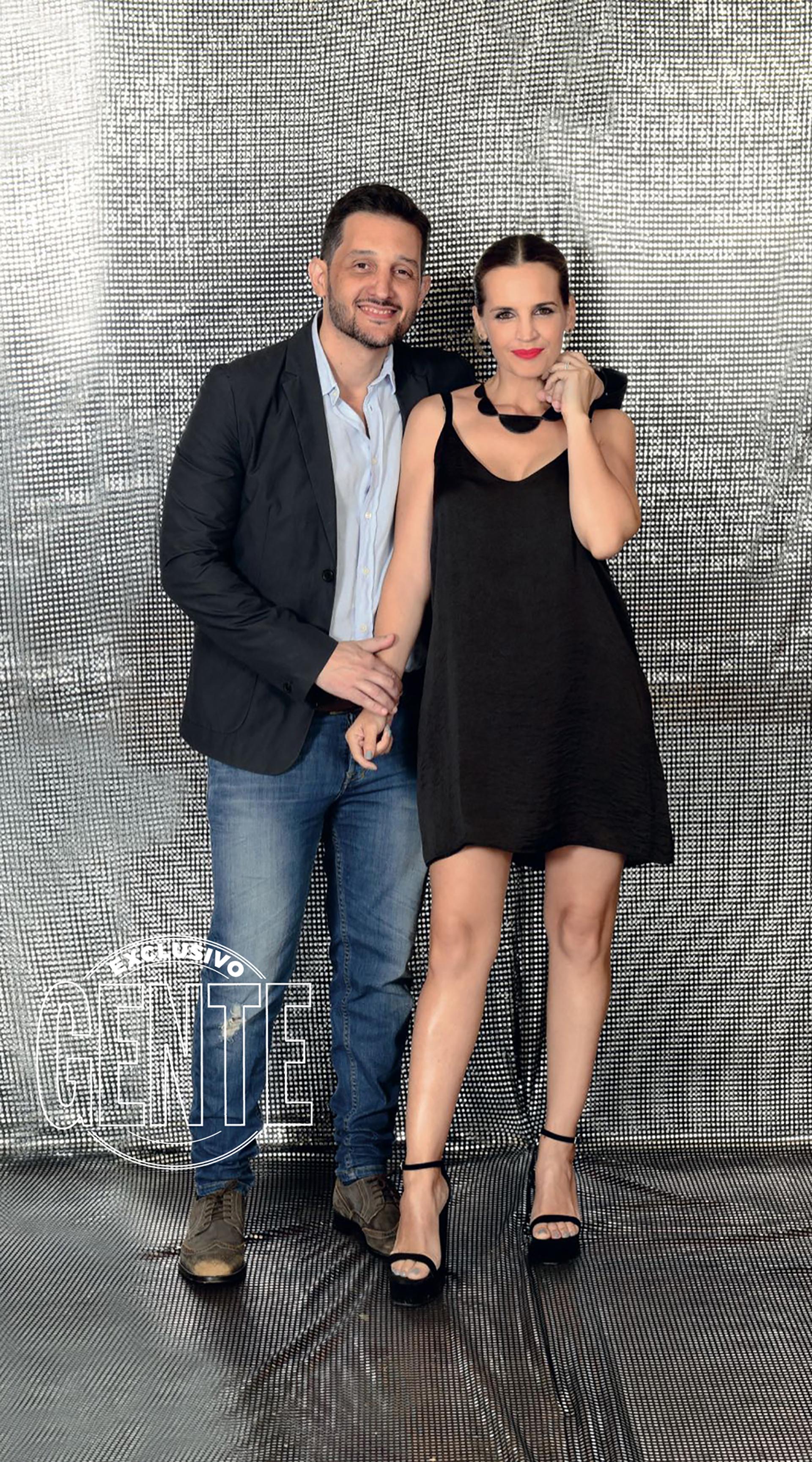 Germán Paoloski y Sabrina Garciarena (by Dollstore y Sarkany).