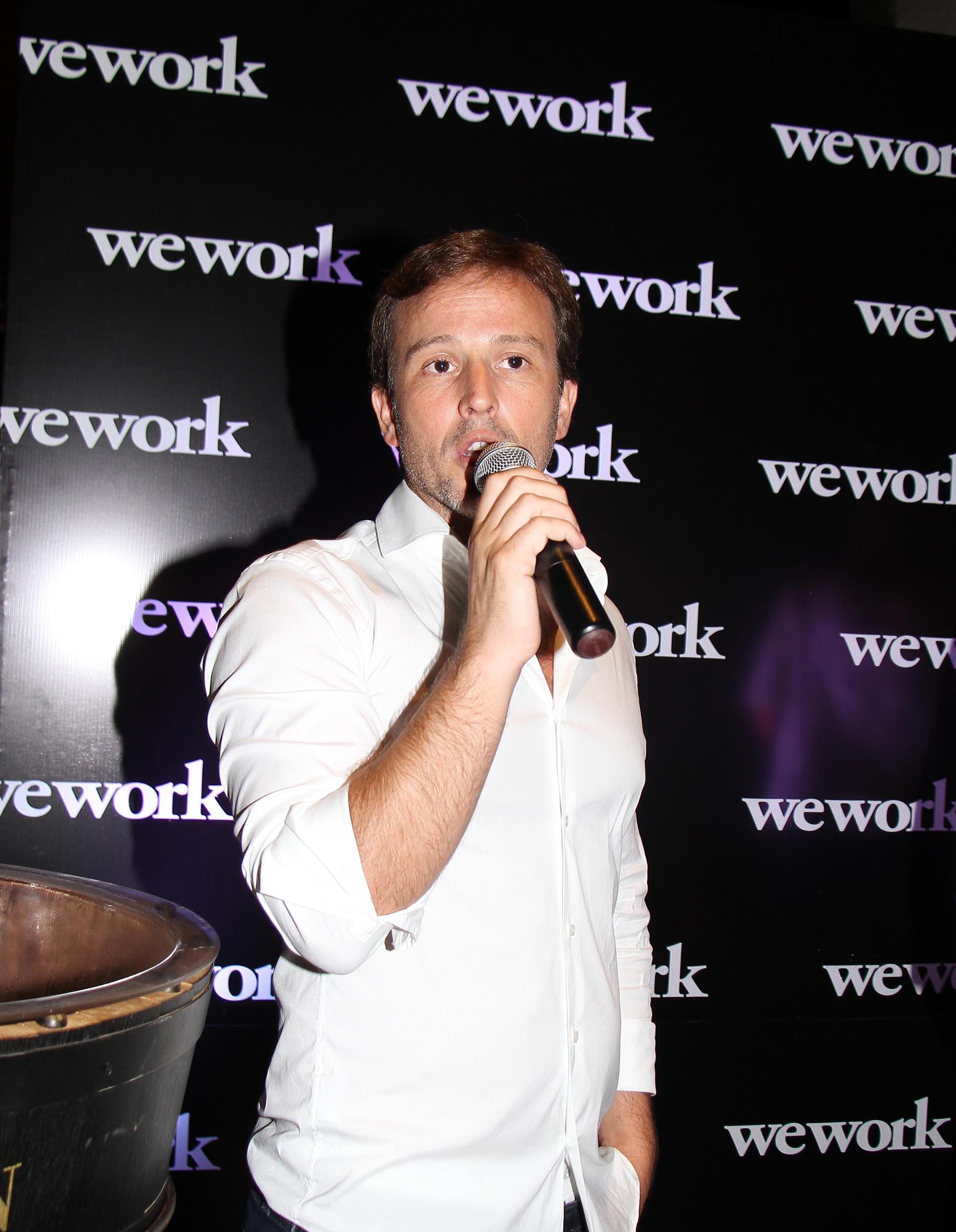 Carlos Gareis, Head of Business Operations Latam WeWork, durante su discurso en el cóctel, luego del cual se realizó un exclusivo tour por una importante bodega