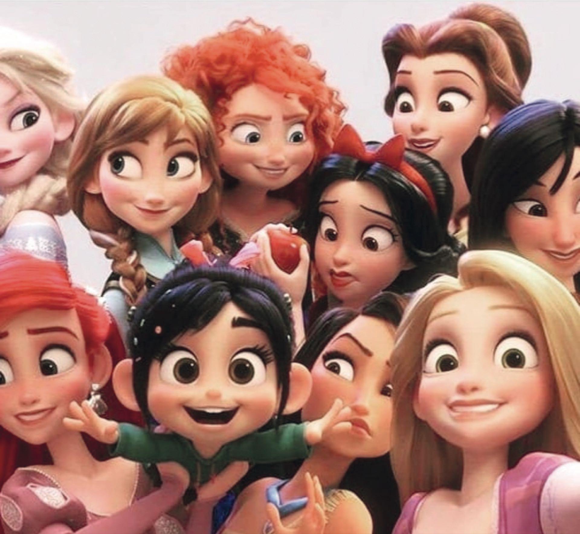 El efecto women power está reflejadohasta en los cines, donde nuevas generaciones verána través de filmes cómo las legendariasprincesas de Disney aprendieron a dejar de ser de cristaly saben de salvarse solitas.
