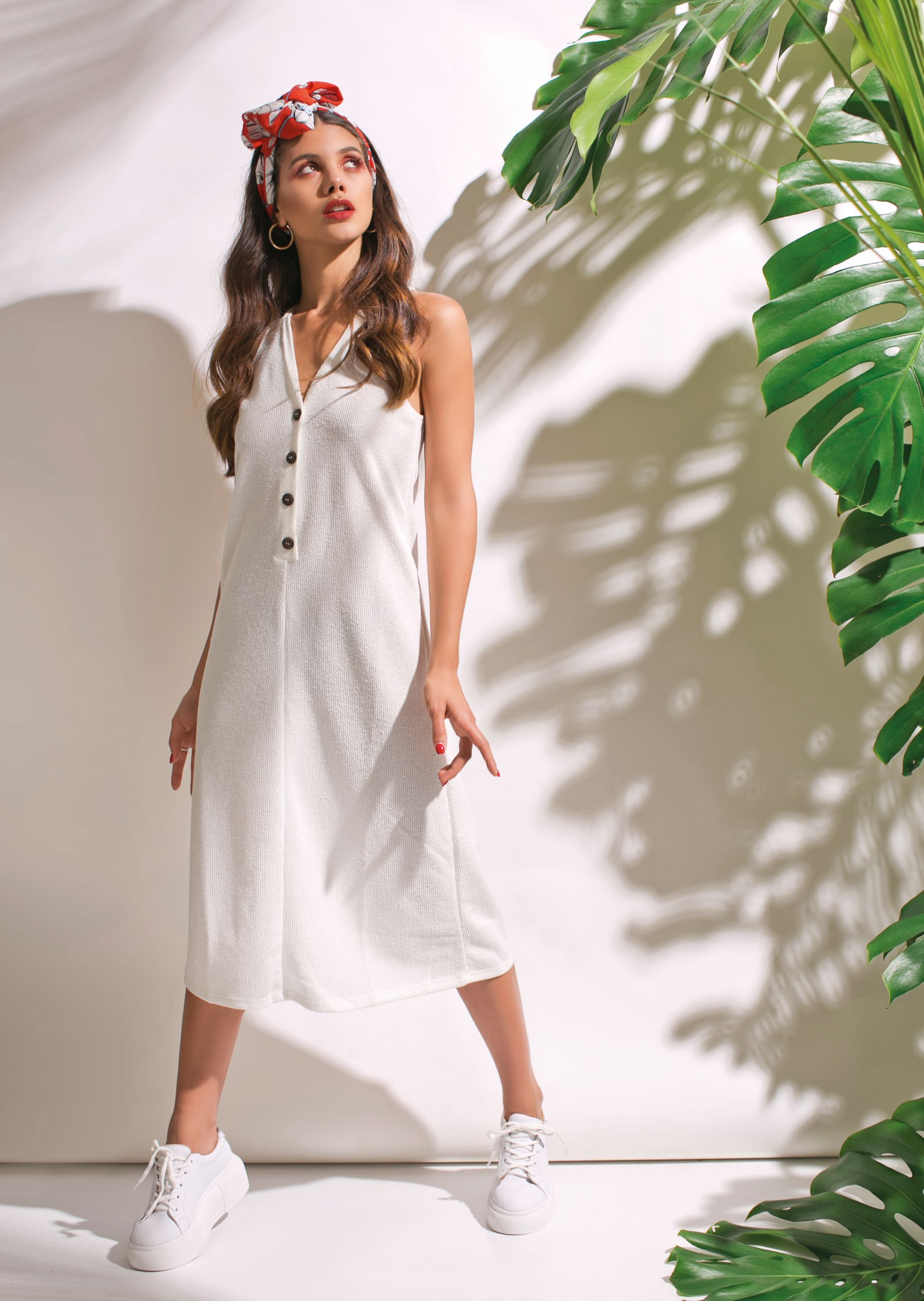 Divino botón no se esconden se adueñan de los vestidos infobae jpg  1920x2704 Vestido ruedo moda e6c250e5508d