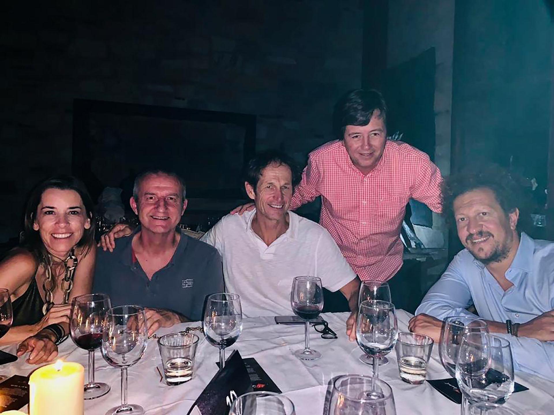 Santiago Lange estuvo entre los invitados a la cena