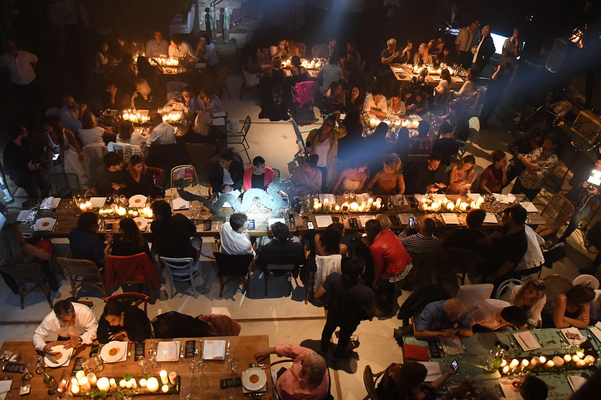 La imponente cena que se llevó a cabo en una lujosa chacra de Rincón del Indio
