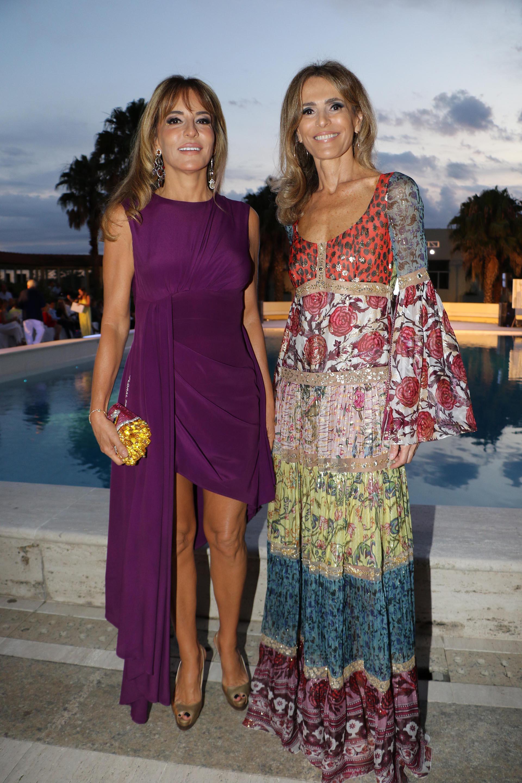 Patricia y Rossella Della Giovampaola a su llegada al Six O´Clock de Punta del Este