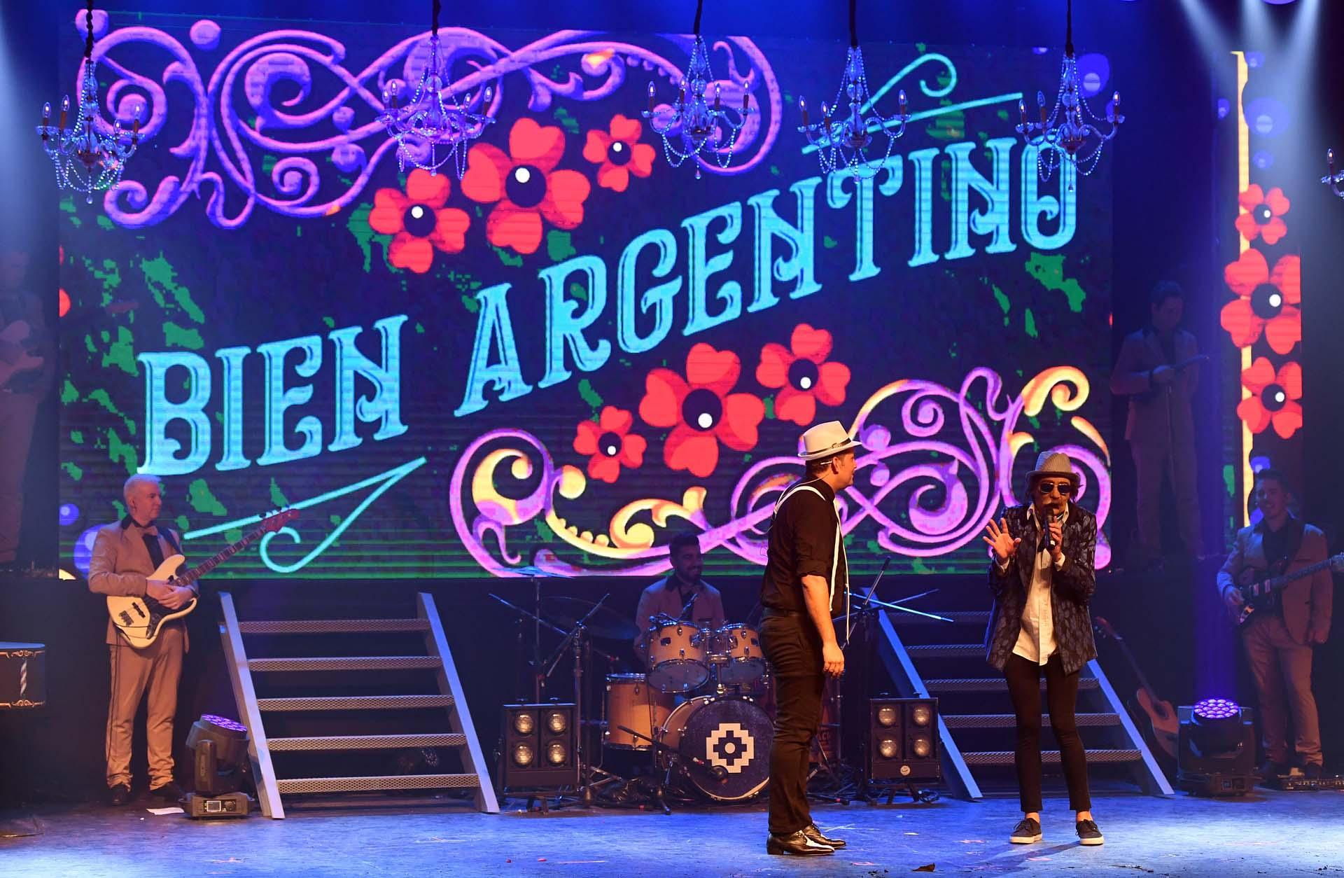Bien Argentino mezcla humor y música