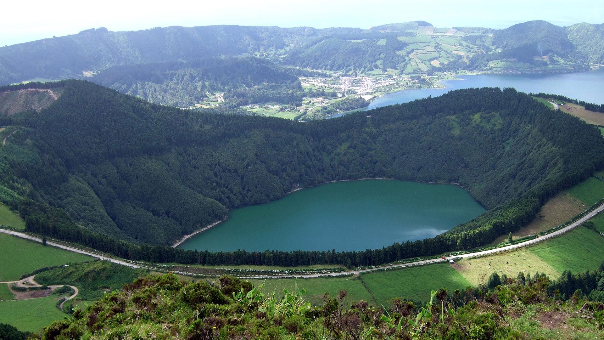En el 2012,recibió el premio QualityCoast de oro por sus esfuerzos por convertirse en un destino turístico sostenible. Gracias a este premio, las Azores han sido seleccionadas para ser incluidas en el atlas global del turismo sostenible