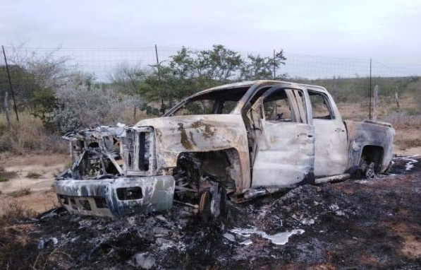 En el lugar se encontraron entre cinco y seis vehículos calcinados (Foto: Publicada en el semanario Zeta)