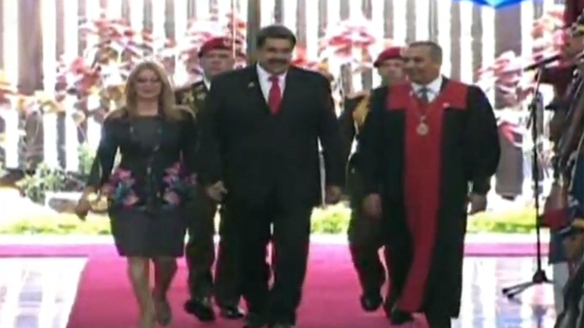 El momento en que Maduro ingresa al TSJ