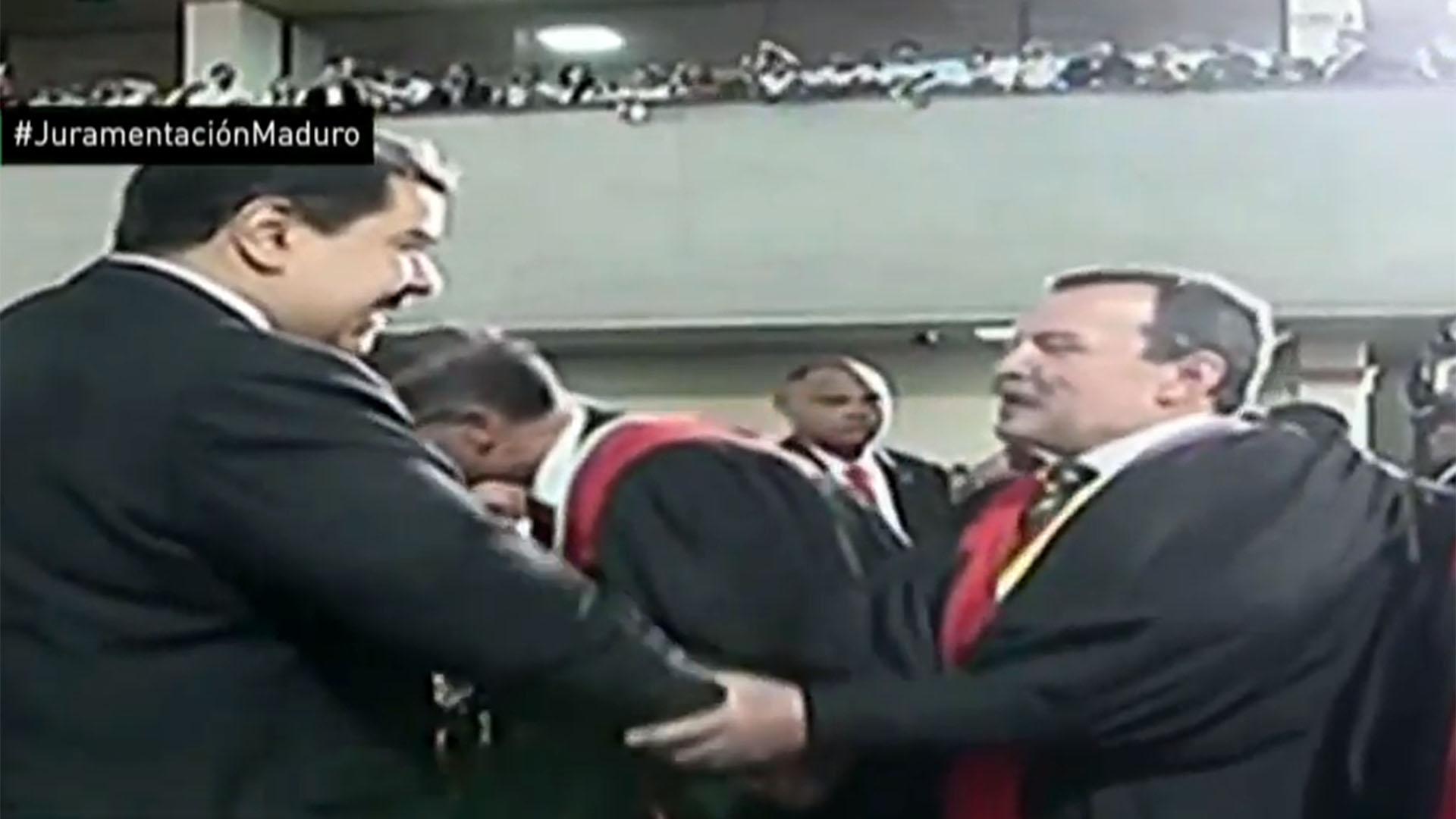 Maduro saluda a los miembros del TSJ