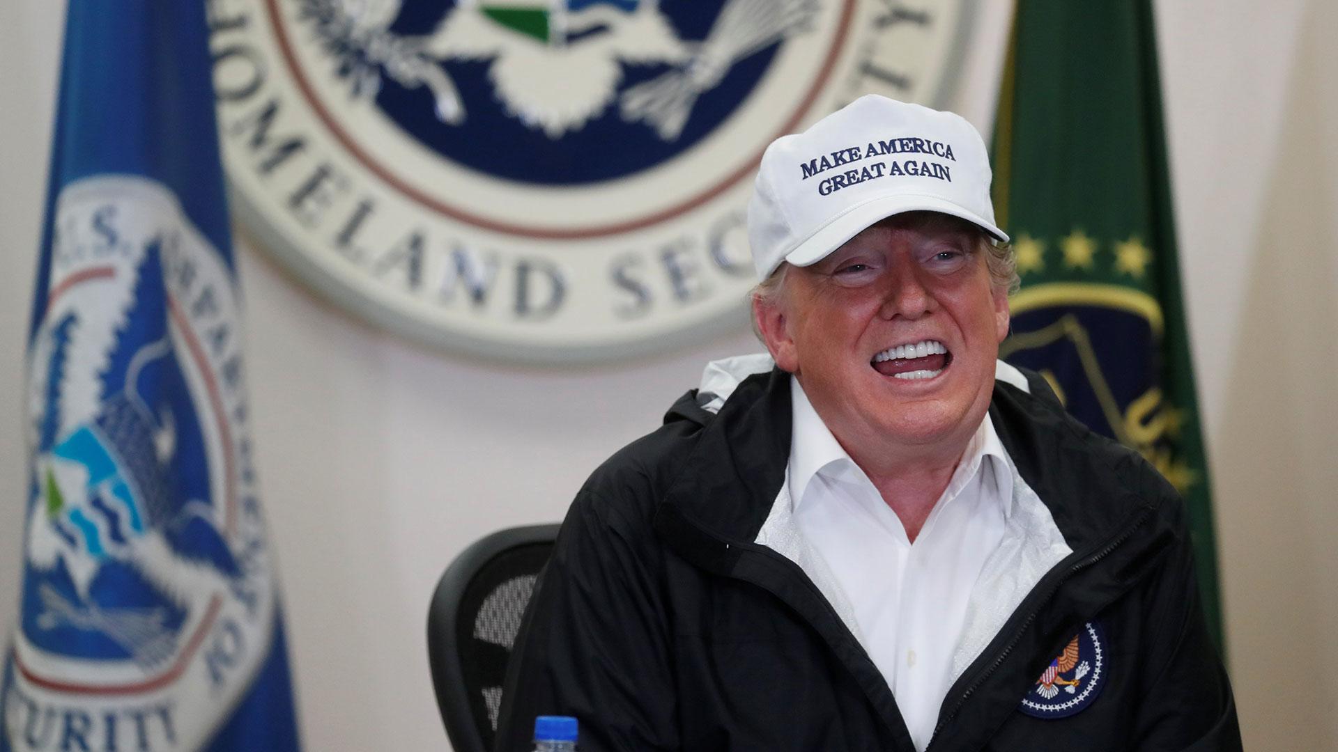 Donald Trump, en la frontera con México