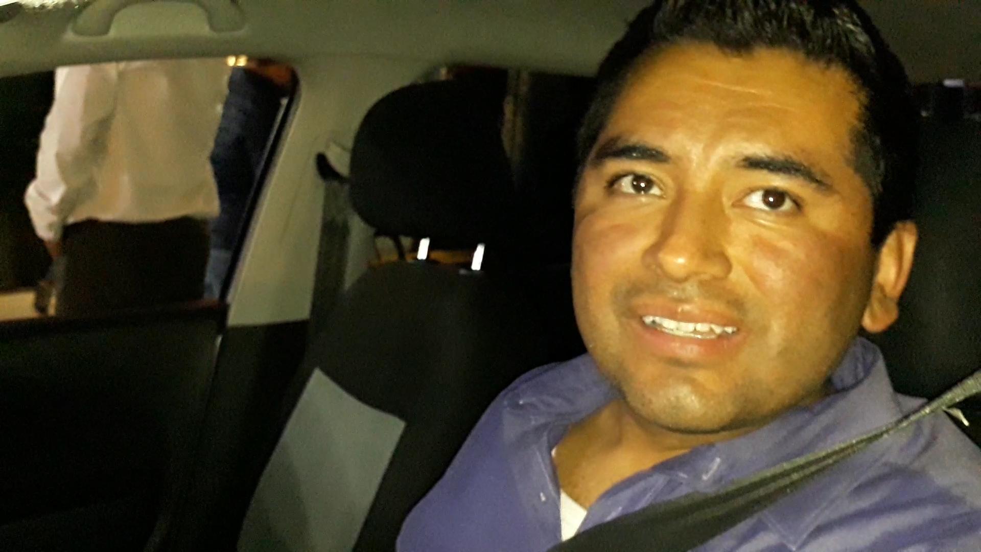 Gerardo Islas conductor de Uber se formó durante más de 6 horas para cargar gasolina, la cual no consiguió (Foto: Patricia Juárez/INFOBAE MÉXICO)